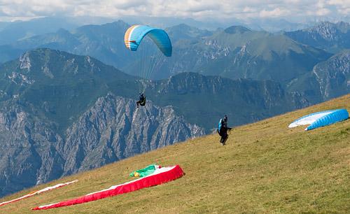 Paralotnie nad Monte Baldo3